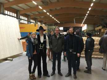 In the NUR-HOLZ factory